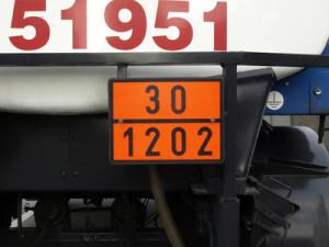 Gefahrgut-Schild am LKW